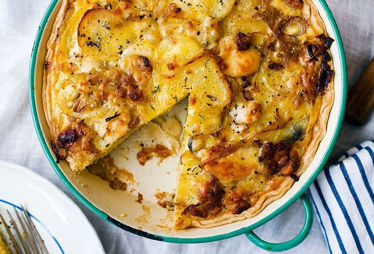 Double-Gloucester-with-Onion-Chive-Tomato-&-Potato-Pie